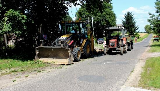 Kopara przy pracach nad kanalizacją