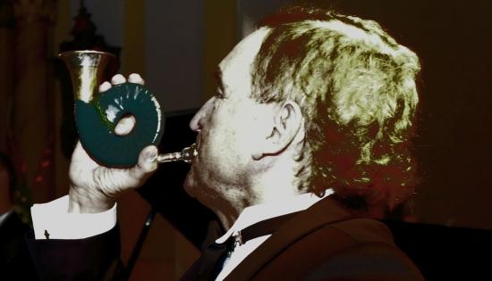 mieczysław leśniczak gra na trąbce