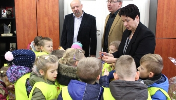 dzieci z wizytą w ratuszu