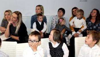 dzieci ze specjalnego przedszkola