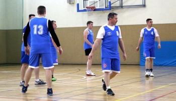 zawodnicy podczas meczu siatkówki
