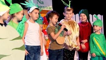 dzieci występujące w przedstawieniu