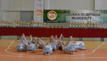 dziewczynki tańczące