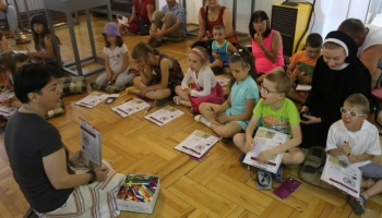 dzieci podczas lekcji muzealnych