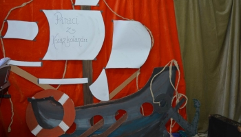 łódź piracka z papieru