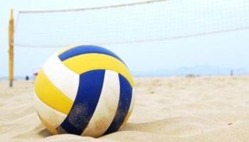piłka siatkowa na piasku