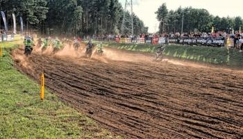 wyścigi motocrossowe na torze