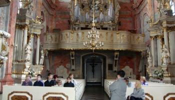 dzieci w klasztorze oo. Franciszkanów